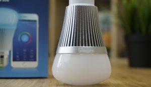 La lampadina Sonoff B1